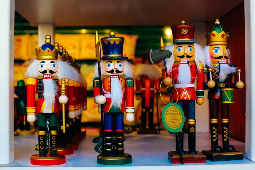 weihnachtlich-dekorieren-dekoration-nussknacker