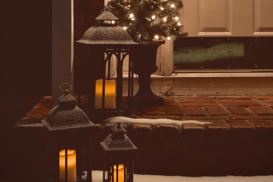 weihnachtlich-dekorieren-hauseingang